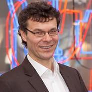 Portraitbild von Prof. Dr. Bernhard Grümme