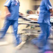 Krankenhaus-Personal im Noteinsatz